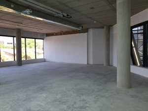 Commercial Property to rent in Illovo 15 Chaplin, Ref: 190723
