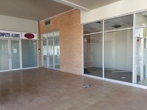 Commercial Property to rent in Magalieskruin Fin Forum, Ref: 185172