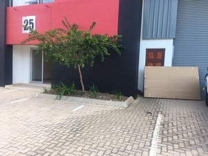 Industrial Property to rent in Lanseria Lanseria Business Park - Compact and Mini Units, Ref: 137169