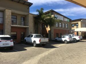 Commercial Property to rent in Krugersdorp Ruimsig Country Office Park, Ref: 180819