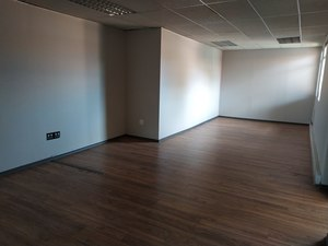 Commercial Property to rent in Lyttleton A.H. Waterford Court, Ref: 188368