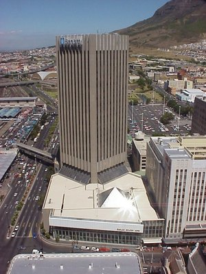 Commercial Property to rent in Cape Town CBD Golden Acre, Ref: 178667