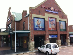 Retail Property to rent in Bryanston Posthouse Link, Ref: 166610