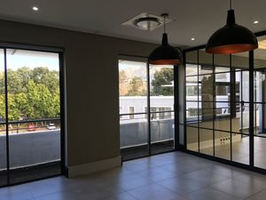Commercial Property to rent in Newlands Boundary Terraces, Ref: 188976