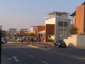 Retail Property to rent in Willow Acres Estate Silver Oaks Crossing Shopping Centre (includes Northern Lofts), Ref: 170887