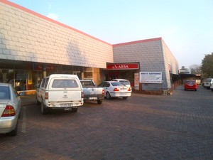 Retail Property to rent in Valhalla Kamval Investments, Ref: 176110