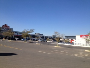 Retail Property to rent in Linbro Greenstone Crescent Shopping Centre, Ref: 170914
