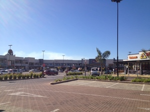 Commercial Property to rent in Bonaero Park Bonaero Park Shopping Centre, Ref: 176577