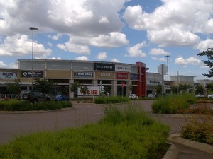 Retail Property to rent in Central Centurion Byls Bridge Promenade, Ref: 167771