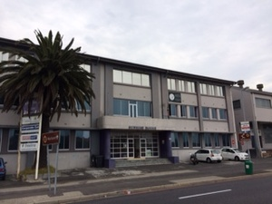 Commercial Property to rent in Ndabeni Sunrise Building, Ref: 184402
