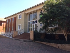 Commercial Property to rent in Fourways Waterford Office Park, Ref: 181222