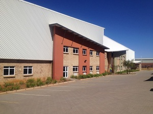 Industrial Property to rent in Germiston Indianapolis Boulevard Raceway, Ref: 173519