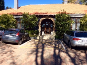 Commercial Property to rent in Parktown 1 Ettrick Road, Ref: 145277