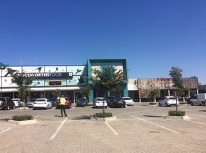 Retail Property to rent in Cresta Cresta Crossing, Ref: 176818