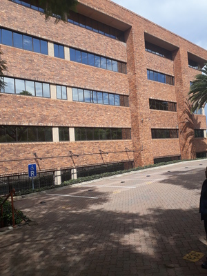 Commercial Property to rent in Parktown BP Parktown, Ref: 176599