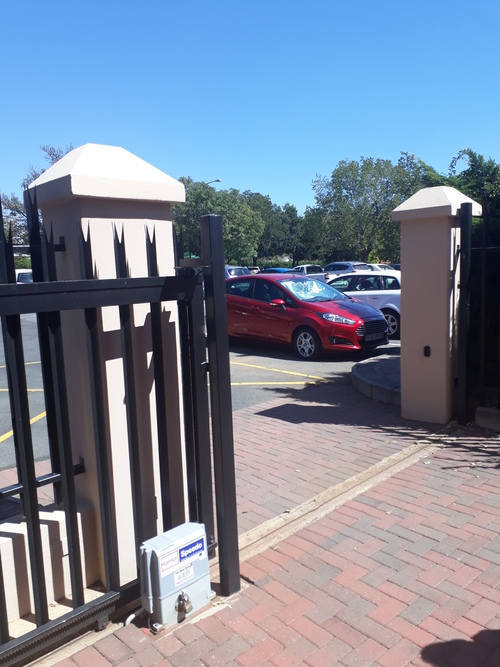 CAMI House Commercial Office Space to let in Northcliff