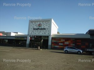 Retail Shops to rent in Robertsham Southdale Shopping Centre, Ref: 217054