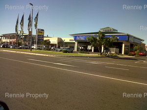 Retail Shops to rent in Parklands Cavalier Centre, Ref: 216797